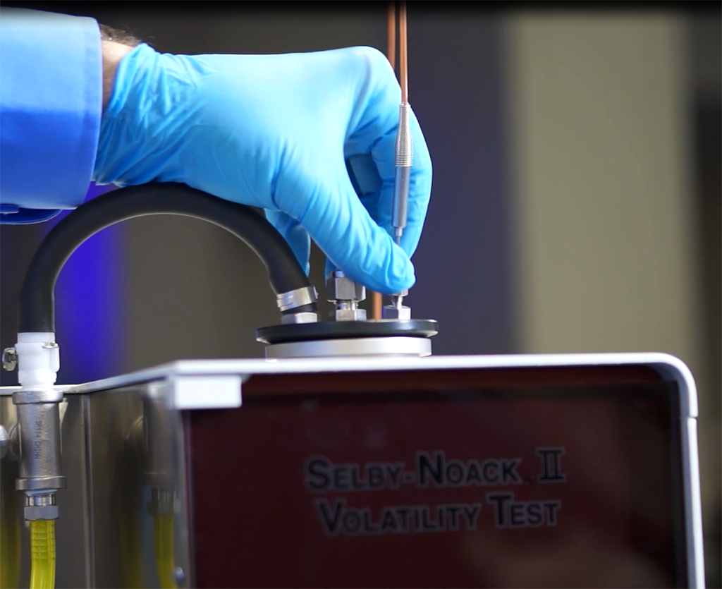 Selby-Noack-II-temperature-probe-action-shot.png